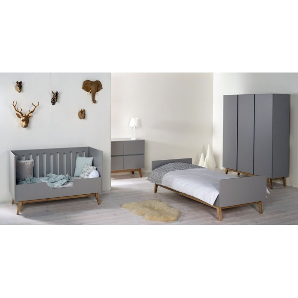 Lit b b 60x120 et commode trendy bambins d co for Chambre bebe lit et commode